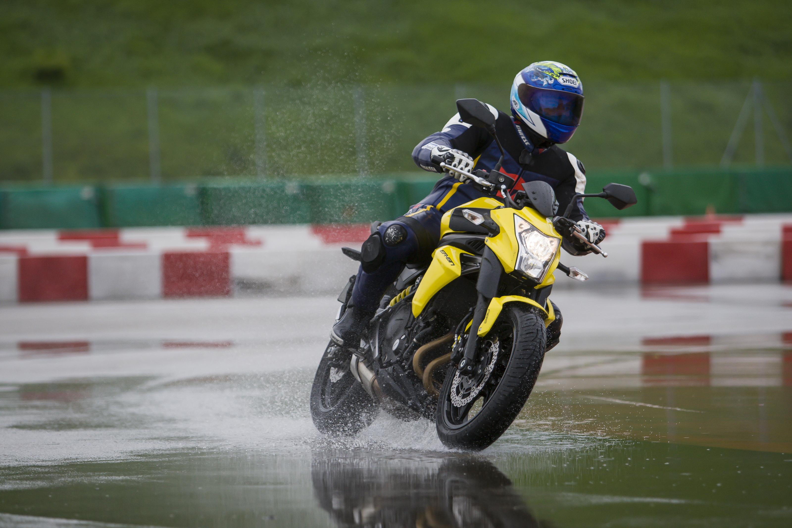 Michelin Pilot Sport >> MICHELIN Pilot Road 4 - Michelin espacio prensa